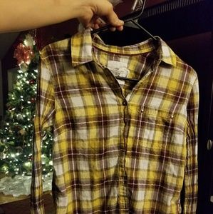 H@M button down yellow and burgendy